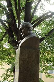 Бюст Федора Гааза в Москве