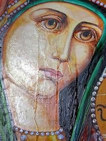 Зачем «плачут» иконы?