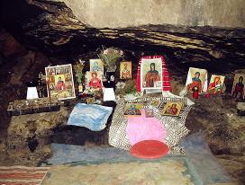 Пещера, где подвизалась и была захоронена святая