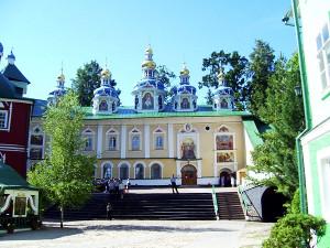 Пещерный Успенский храм