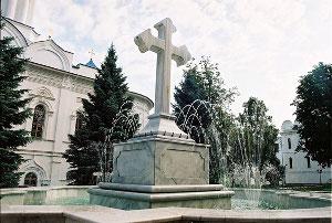 Фонтан у Свято-Успенского собора