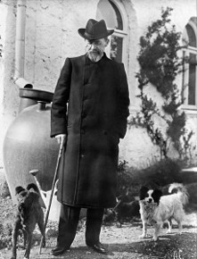Антон Павлович Чехов во время прогулки