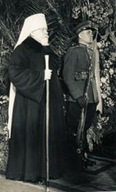 Митрополит Николай (Ярушевич) у гроба Сталина