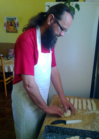На кухонном послушании
