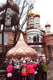 Воспитанники воскресной школы при храме в честь преподобного Сергия Радонежского