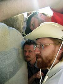 Священники на раскопках — иерей Александр Тимофеев, протоиерей Георгий Урбанович и игумен Моисей (Пилатц)
