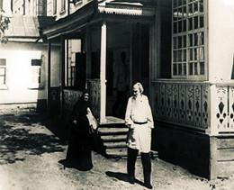Лев Толстой с сестрой, монахиней Марией. Ясная Поляна