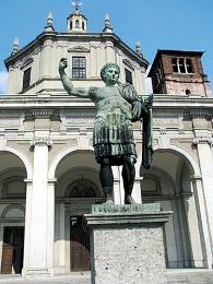 Памятник императору Константину в Милане