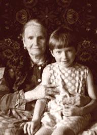 Ольга Федосеевна c внучкой