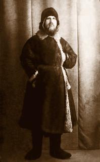 Владыка Иларион перед отправкой в лагерь