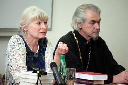 Олеся Николаева и протоиерей Владимир Вигилянский