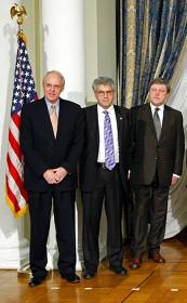 Лидеры «правой» оппозиции в американском посольстве