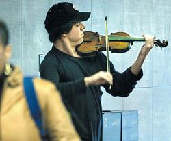Джошуа Белл в Вашингтонском метро