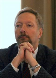 Николай Петро