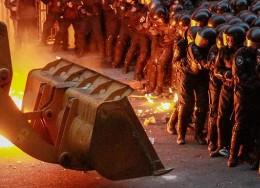 Избиение Беркута «мирными» демонстрантами