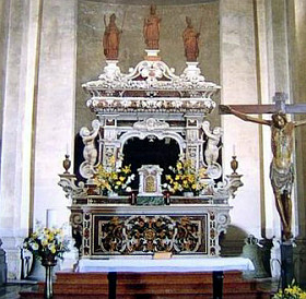 Рака с мощами Cвятителя Николая Мирликийского и свв.Феодора и Николая, Венеция, о-в Лидо