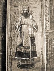 Икона свт. Тихона, находящаяся за его св. мощами в Задонском Рождество-Богородицком мужском монастыре