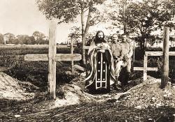 На братском кладбище после боя