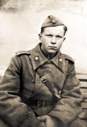 Лейтенант Быков во время боев в Румынии, 1944 г.
