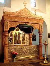 Рака с мощами святых Петра и Февронии в Свято-Троицком Муромском монастыре