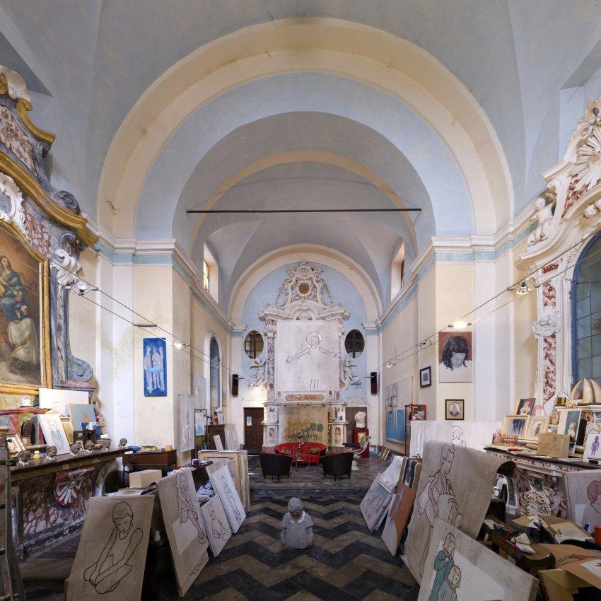 Церковь Сан Рокко в Вердуно теперь принадлежит художнику Валерио Беррути