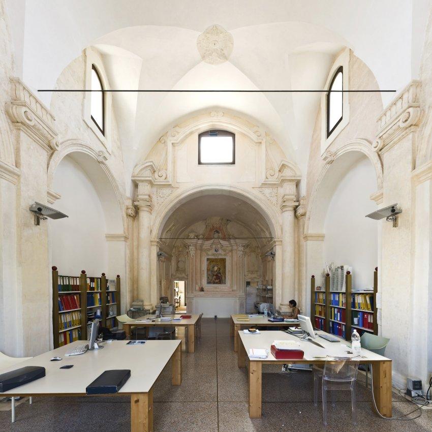 Церковь Мадонны дель Кармине в Галлиполи сегодня является архитектурным бюро