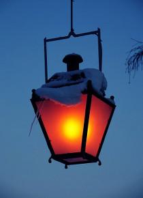 Старый уличный фонарь