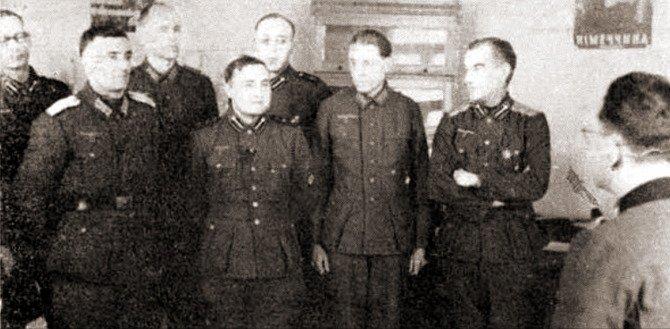 Капитан Борис Ширяев на пропагандных курсах Власовской Армии
