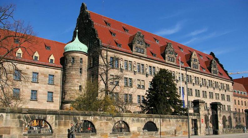 В этом старинном нюрнбергском Дворце правосудия и состоялся знаменитый суд народов над нацизмом.