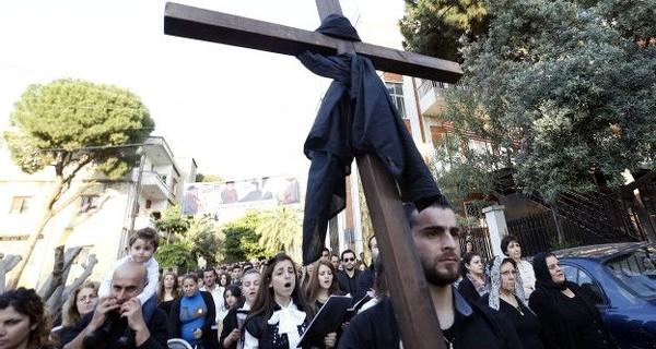Многие сирийские христиане отмечали страстную пятницу в Ливане
