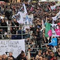Протестующие против однополых «браков» в Риме. Фото: Edward Pentin/NCRegister.com
