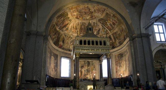 Базилика Сан-Пьетро-ин-Винколи, где находятся вериги апостола Петра