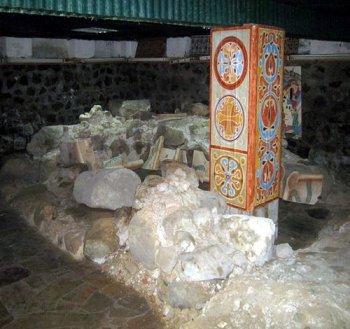 Остатки фундамента Михайловского храма