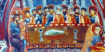«Тайная вечеря», фреска XIII в. в пещерной церкви, Каппадокия. Тело Христово на блюде изображено в виде рыбы